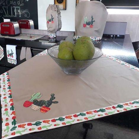 imagem do produto Toalha de Mesa Quadrada 100x100cm Brim Gourmet Cactos - Catran