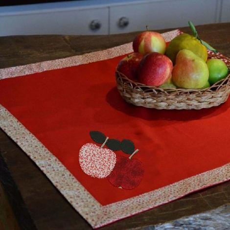 imagem do produto Toalha de Mesa Quadrada 100x100cm Brim Gourmet Maçã - Catran